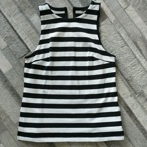Sleeveless striped thick knit BR shirt. Sz 4